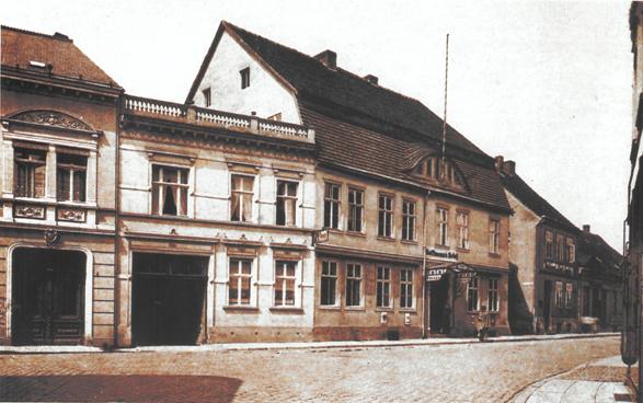 Historisches Foto mit Blick auf das Torhaus